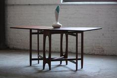 Unique Bendt Winge Mid Century Modern Drop Leaf Dining Table Model NR4 for Kleppes Mobelfabrik (Norway, 1950s)