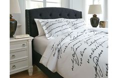 Amantipoint 3-Piece King Duvet Cover Set by Ashley HomeStore, White & Gray, Cotton (100 %)