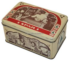Vintage beige tin by De Spar with red and green details Old vintage tin 'De Spar'. (fir-tree). Rectangular tin with rounded corners and slightly convex cover, with photographic images on the lid, front and back, in black / white, with regard to the grocery business. On the lid a grocery provides a girl with something. In the cabinets behind him are products of famous brands. see: http://www.retro-en-design.co.uk/a-44259343/tins/vintage-beige-tin-by-de-spar-with-red-and-green-details/
