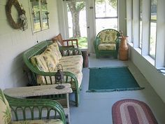 enclosed porch I hope when we own a home it has one or two or three :) (diy front porch ideas railings) Enclosed Front Porches, Screened Porches, Outdoor Spaces, Outdoor Living, Outdoor Rugs, Closed In Porch, Three Season Porch, Sleeping Porch, Building A Porch