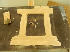 The Mirror is first sanded with very rough paper, to take away any sharp edges and to round the structure and shape.