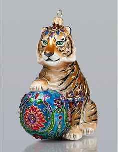 Handmade in Eastern Europe by old-world craftsmen, Jay Strongwater's ornaments and glass figurines for holiday and Christmas bring signature sparkle to your tree. Glass Christmas Tree Ornaments, Christmas Tree Themes, Christmas Animals, Christmas Images, Christmas Cats, Xmas, Christmas Stuff, Christmas Time, Jay Strongwater