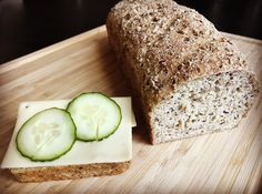 GLUTENFRITT BRØD MED BOKHVETE – Glutenfrihet Banana Bread, Nom Nom, Food And Drink, Gluten Free, Baking, Desserts, Carp, Glutenfree, Deserts