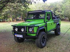 Land Rover Defender. Definitely not going to loose this Landy .