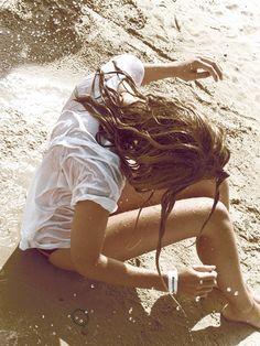 Girl on the surf Summer 3, Summer Of Love, Summer Girls, Summer Skin, Summer Feeling, Hot Girls, Playa Beach, Beach Bum, Bikini Beach