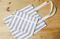 How to make Eco Fabric Shopping Bag. Step by Step Photo Tutorial. Diy Tote Bag, Tote Bags, Pouch Pattern, Sewing Patterns, Sewing Ideas, Market Bag, Photo Tutorial, Fabric Bags, Shopping Bags