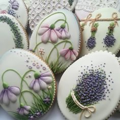 Elegant Cookies, Fancy Cookies, Iced Cookies, Biscuit Cookies, Cute Cookies, Easter Cookies, Cupcake Cookies, Flower Sugar Cookies, Wedding Cake Cookies