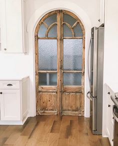 When building a house, salvage old doors and windows from a junk yard to repurpose/reuse them in the new house :) I continue to be blown away by accounts I haven't come across before! Bethany's home is absolutely stunning 😍 I love… Home Renovation, Home Design, Interior Design, Pantry Design, Decoration Design, Home Living, Home Fashion, Fixer Upper, My Dream Home