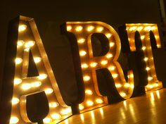 Marquee letter lights – how to use them as interior - Decoration 2020 Marquee Letters, Marquee Lights, Light Letters, Led, Decoration Originale, Vintage Lighting, Neon Lighting, Light Art, Lettering Design