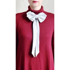 Flanell Grey Raw Silk Bow Tie for women  If you ever had an itch for those awesome bow-ties you saw in the window of a man´s clothier this handmade
