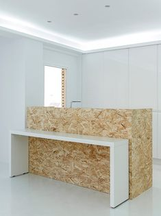 OSB walls for kitchen Chipboard Interior, Osb Plywood, Diy Furniture, Furniture Design, Deco Studio, Cuisines Design, Office Interiors, Retail Design, Interior And Exterior