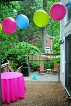 Ballon garland idea for patio party. before party patio Balloon garlands so easy its crazy First Birthday Parties, Girl Birthday, First Birthdays, Birthday Ideas, Zombie Birthday, Cake Birthday, Birthday Quotes, Birthday Gifts, Cheap Party Decorations