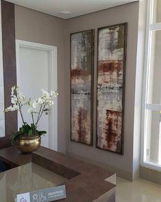 Telas em acrilico medindo 200x50, com molduras decoram a recepção dessa clinica. Mais detalhes em  http://telaemcasa.com.br/servico/ambiente-36/ #casa #tintaacrilica #bh #decoracaodeinteriores #arquitetura #decor #tela #pintura #abstrato #quadro #painel #decorado #decoradora #decorador #decorar #acrilicosobretela #oleosobretela