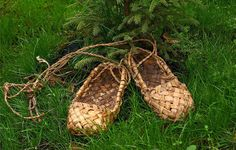 """Lapti are the traditional shoes of the Russian peasants made from bast (fiber from the bark of the linden tree or birch tree). The word lapti apparently originated from the word """"lapa"""", which meant """"foot"""" in old times, and now means paw. Until the beginning of the 20th century lapti were worn in every Russian village.  https://sphotos-a.xx.fbcdn.net/hphotos-prn2/182884_464040387005267_1264201661_n.jpg"""