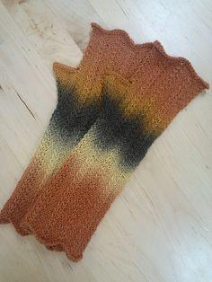 The yarn speaks for itself in these simple chevron fingerless gloves.