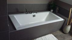 Salle de bain zen et nature. Carrelage imitation bois. baignoire - Salle de bain Zen et nature par c-yri-l sur ForumConstruire.com
