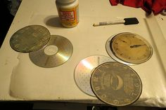 "Something to do with old CDs.  CD Clock faces with FREE templates and instructions. Àlso templates for 6"" glass plates"