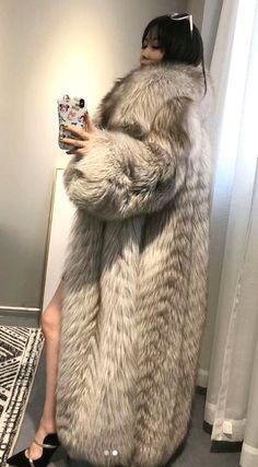 Fox Coat, Parka Coat, Fur Fashion, Womens Fashion, Long Fur Coat, Fabulous Fox, Great Women, Girly Outfits, Fox Fur