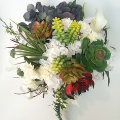 Custom made bride bouquets. All about succulents this season