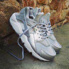 "Nike Air Huarache Wmns ""Metallic Silver"" Size Wmns - Price: 119 (Spain Envíos Gratis a Partir de 75) http://ift.tt/1iZuQ2v #loversneakers#sneakerheads#sneakers#kicks#zapatillas#kicksonfire#kickstagram#sneakerfreaker#nicekicks#thesneakersbox #snkrfrkr#sneakercollector#shoeporn#igsneskercommunity#sneakernews#solecollector#wdywt#womft#sneakeraddict#kotd#smyfh#hypebeast #nikeair#huaraches #nike #huarache"