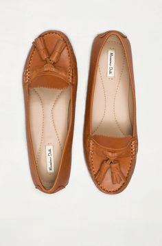 Leather moccasin..best website!