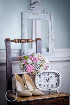 Bouquet by PrettyWeddingIdeas. Stiletto. White background and vintage style.