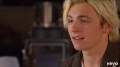 """That face when someone insults R5 and you're like """"I don't care bout what you say, you suck, I'm fab, shut the fuck up"""""""