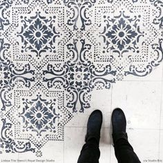 10 Stenciled Floor Makeovers and DIY Ideas Made For Walkin' - Floor Stencils by Royal Design Studio - My Interior Design Ideas Design Studio Names, Stenciled Floor, Floor Stencil, Painted Floor Cloths, Royal Design, Diy Flooring, Cheap Flooring Ideas, Painted Floors, Painting Tile Floors