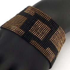 Pattern Solid Squares Narrow Beaded Bracelet Square por NeatBeading
