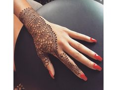 50 Most beautiful Stunning Mehndi Design (Stunning Henna Design) that you can apply on your Beautiful Hands and Body in daily life. Modern Henna Designs, Mehndi Designs For Beginners, Unique Mehndi Designs, Beautiful Henna Designs, Latest Mehndi Designs, Mehndi Designs For Hands, Bridal Mehndi Designs, Hena Designs, Henna Tutorial