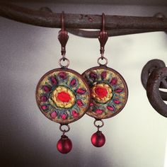 Made new earrings #earrings#embroidery #felt