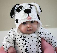DIY Crochet Dalmatian Dog Free Pattern This Crochet dalmatian dog hat is just so adorable to miss. Sarah at Repeat Crafter Me did terrific job to crochet this dalmatian dog hat, and to share a very. Crochet Animal Hats, Crochet Kids Hats, Cute Crochet, Crochet Owl Hat, Irish Crochet, Baby Patterns, Crochet Patterns, Baby Hut, Dog Baby