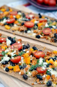 chicken and black bean taco flatbread