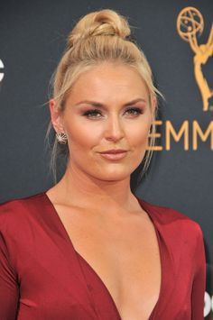 Lindsey Vonn 68th Annual Emmy Awards in Los Angeles Sep-2016 Celebstills L Lindsey Vonn Lindsey Vonn Skiing, Natural Women, Trending Hairstyles, Glamour Photography, Hot Blondes, Celebs, Celebrities, Famous Faces, Sport Girl