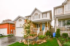 A beautiful 3+1 bedroom family home in Guelph