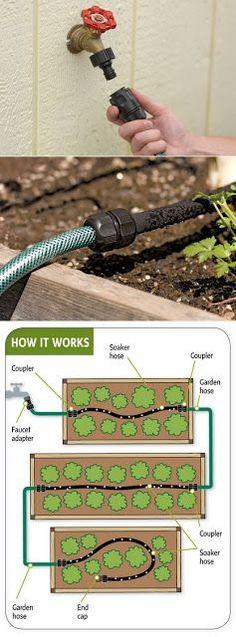 Easy garden watering: soak hose for drip irrigation Veg Garden, Edible Garden, Easy Garden, Water Garden, Lawn And Garden, Garden Hose, Fruit Garden, Garden Trellis, Garden Planters