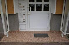 steinteppich auf dem balkon von. Black Bedroom Furniture Sets. Home Design Ideas