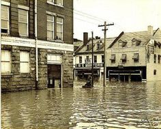 1942 Fredericksburg flood, corner of Hanover and Caroline St. Hanover Street, Fredericksburg Virginia, Virginia Is For Lovers, Old Pictures, Historical Photos, Places To Visit, United States, Mansions, History