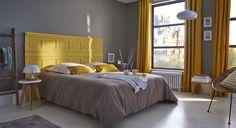 Quand la couleur phare du moment rencontre l'autre couleur qui monte, ça donne une déco lumineuse et tout en contrastes. La combinaison du gris et du jaune offre un rendu moderne, sophistiqué tout en ajoutant une touche de fantaisie. http://www.castorama.fr/store/pages/zoom-sur-peinture-grise-mariage-heureux.html