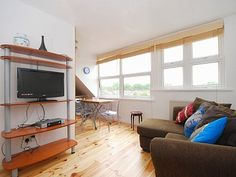 Hammersmith Vacation Apartment Rentals: Villa, House, Cottage, Apartment and more Holiday Rentals, London: Two Bedroom London Vacation Rental Apartment