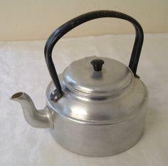 Vintage 3 Pint Aluminium Stove Top Traditional Kettle / Teapot