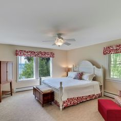 The Irish Twins Lake House on Mullett Lake  is a 2,800-square-foot luxury vacation cottage with private lake access in Northern Michigan. Book direct for the lowest price by contacting the local manager: