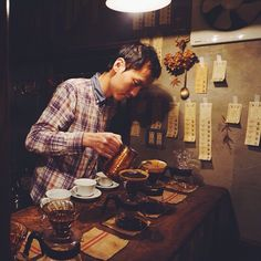 Already missing my favorite coffee place in #Kyoto. Such a distinct and beautiful cafe culture. #elephantfactorycoffee