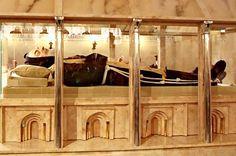 St. Padre Pio's Incorrupt Body « Doug Lawrence's Catholic Weblog