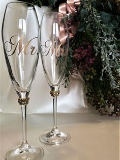 Personalized wedding glasses for Mr and Mrs Gold silver Laser engraved Anniversary gift Personalized Wedding champagne flutes , Set of 2 Bride And Groom Glasses, Wedding Wine Glasses, Wedding Champagne Flutes, Unique Wedding Colors, Wedding Gifts For Bridesmaids, Wedding Suits, Wedding Vows, Wedding Men, Wedding Reception