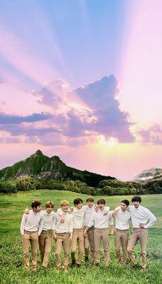 Oh I love everything abt this picture Baekhyun Chanyeol, Park Chanyeol, Exo Chen, Exo Wallpaper Hd, K Pop, Exo Group Photo, Nct, Exo Album, Exo Lockscreen