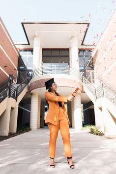 University of central Florida grad photos Graduation Outfits For Women, Nursing Graduation Pictures, Graduation Look, College Graduation Pictures, Graduation Picture Poses, Graduation Portraits, Graduation Photography, Graduation Photoshoot, Grad Pictures