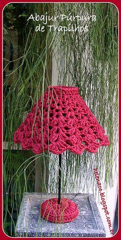 Abajur Púrpura de Trapilhos (Rag Crochet)