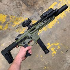 Things I find interesting Zombie Weapons, Weapons Guns, Guns And Ammo, Ar Pistol Build, Ar Build, Ar15 Pistol, Toyota Land Cruiser, Ar 15 Builds, Battle Rifle