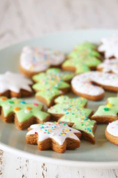 Winter Treats, Xmas Food, New Year's Food, Holiday Cookies, Other Recipes, Cake Cookies, Gingerbread Cookies, Delicious Desserts, Bakery